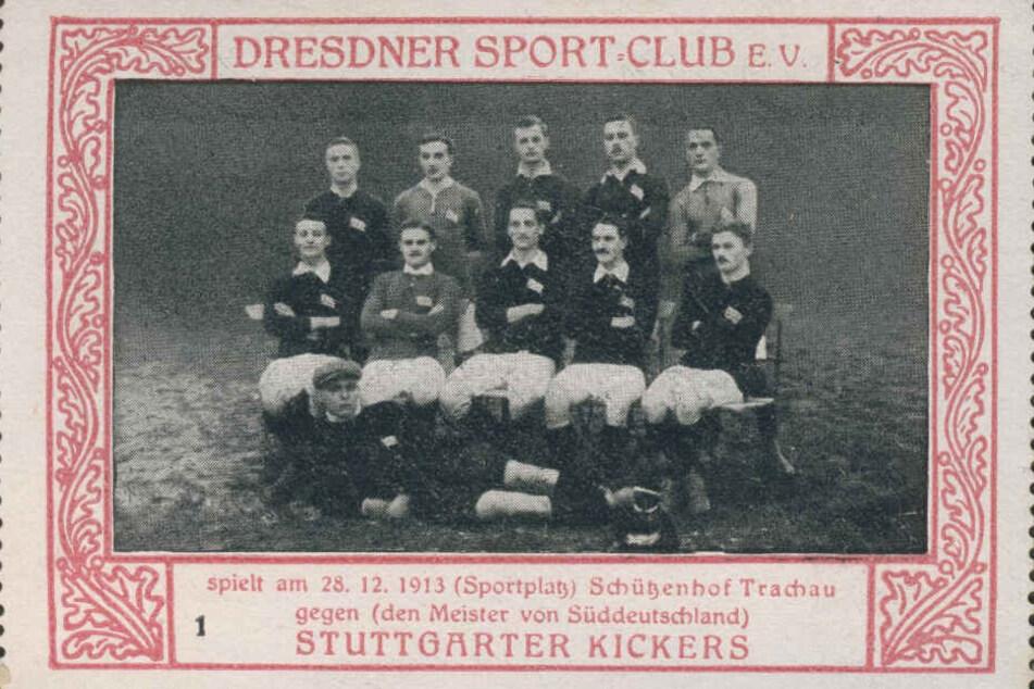 Diese Werbemarke zeigt Spieler im Jahr 1913.