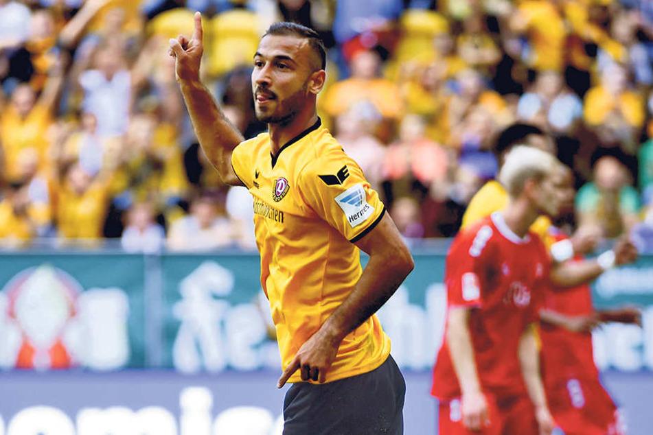 Akaki Gogia jubelt über sein 2:1 gegen Würzburg. Der Treffer am 25. September war der bisher letzte für Dynamo.