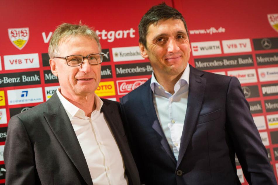 Gemeinsamer Auftritt von Michael Reschke (links) und Tayfun Korkut am Montagabend während einer Pressekonferenz. Reschke steht unter Druck.
