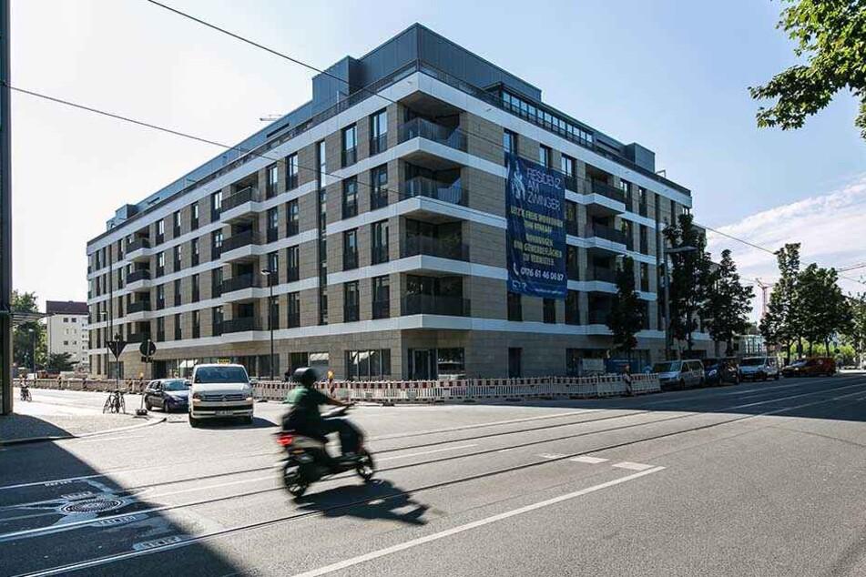 In diesem Neubau gegenüber dem Zwinger eröffnet Promi-Wirt Gerd Kastenmeier  sein exklusives Club-Restaurant.