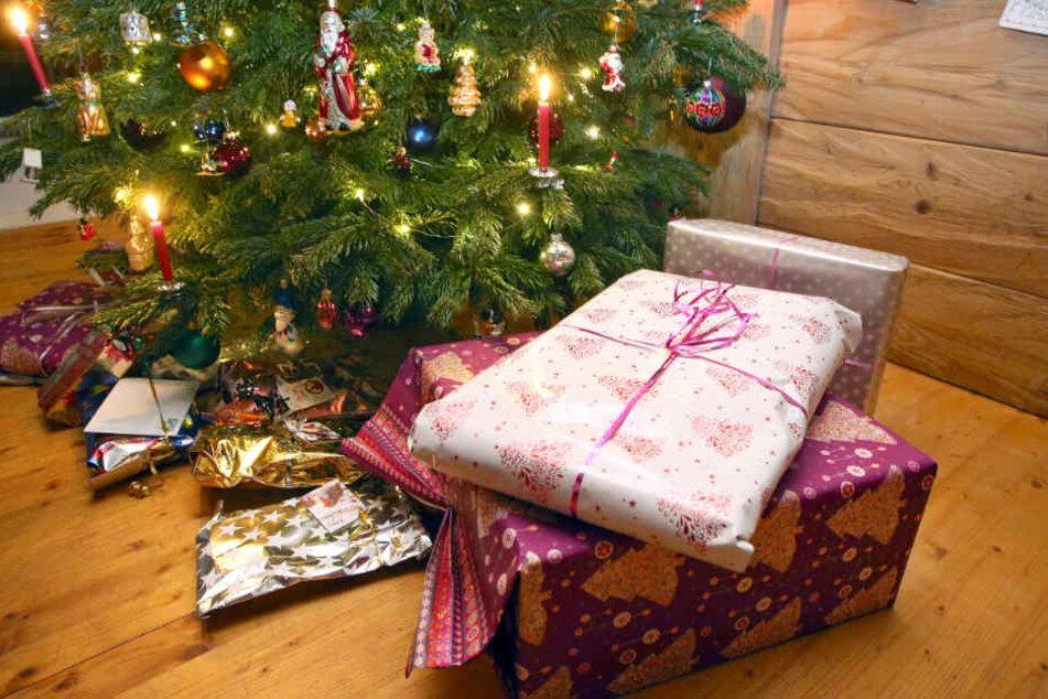 Für viele Menschen gehört ein Christbaum auf jeden Fall zu Weihnachten. (Symbolbild)