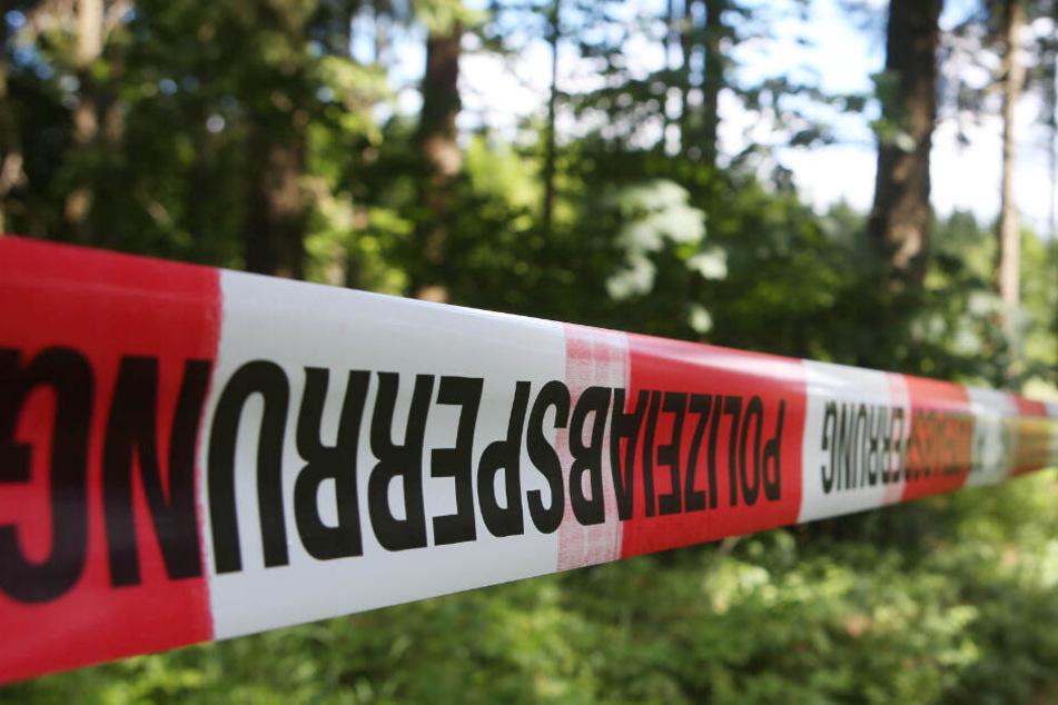 Das Gebiet wurde von der Polizei abgesperrt. (Symbolbild)