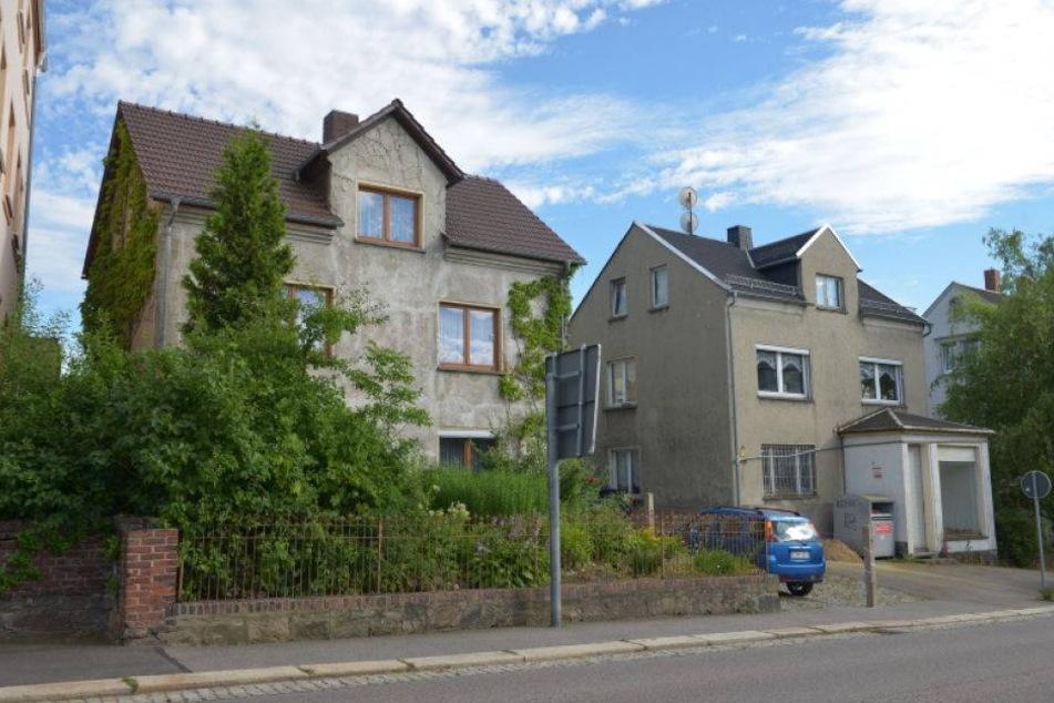 Die Tat passierte zwischen den beiden Häusern in der Waldenburger Straße.
