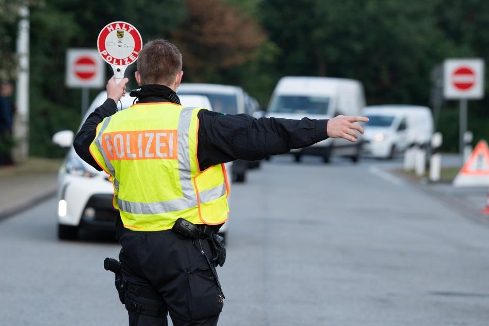 Bei einer Fahrzeugkontrolle stieß die Autobahnpolizei auf eine Ladung geklauter Räder. (Symbolbild)