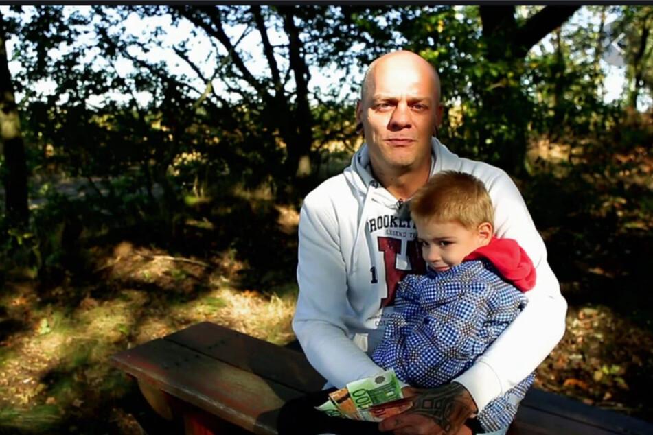 Michel (39) ist alleinerziehender Papa des kleinen Jaydan (3), lebt gerade von Hartz IV, will aber gern wieder arbeiten.