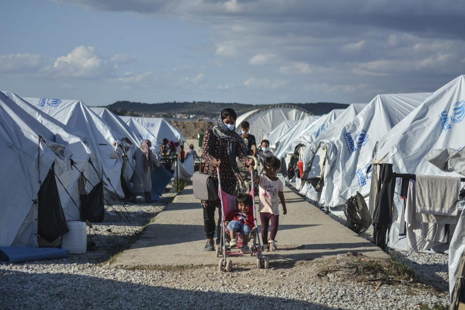"""Die momentane Situation im provisorischen Flüchtlingslager """"Kara Tepe"""" auf Lesbos soll vor allem für Kinder extrem gefährlich sein."""