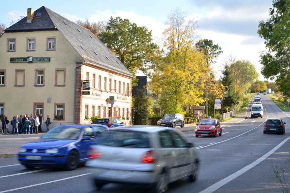 """Der Verkehrslärm nervt die Anwohner rund um die """"Brettmühle""""."""