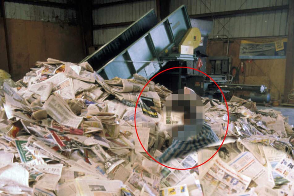 Die Frau konnte sich von den Papiermassen nicht selbst befreien (Symbolbild).