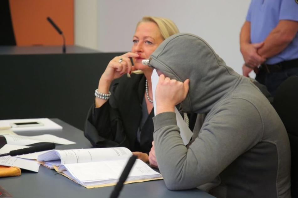 Fabian S. (24) im Landgericht Dresden, das ihn Freitagnachmittag zu sechs Jahren Haft verurteilte.
