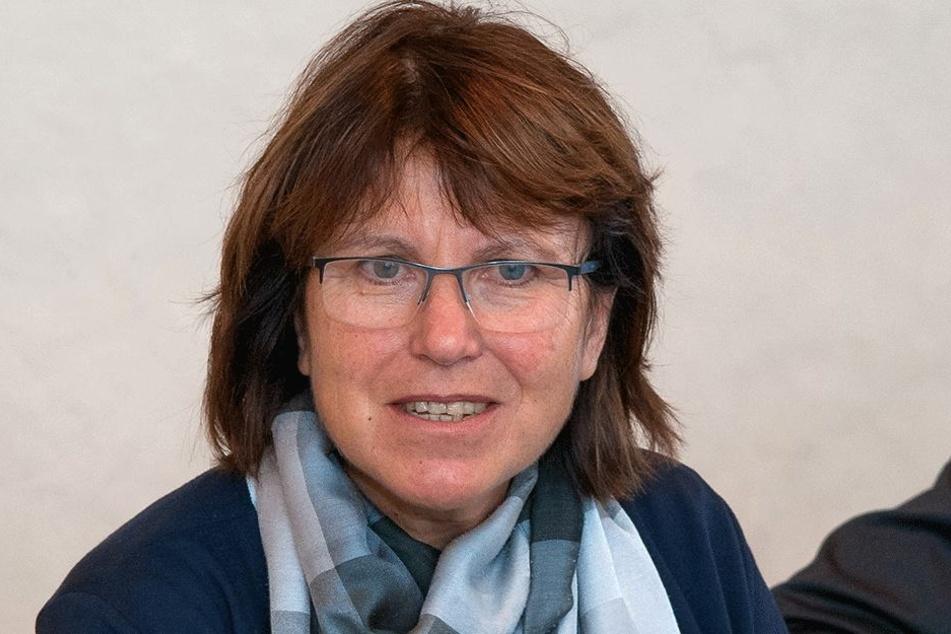 Zwickaus Oberbürgermeisterin Pia Findeiß (61, SPD) wollte neue Beamtenstellen schaffen. Der Stadtrat lehnte das ab.