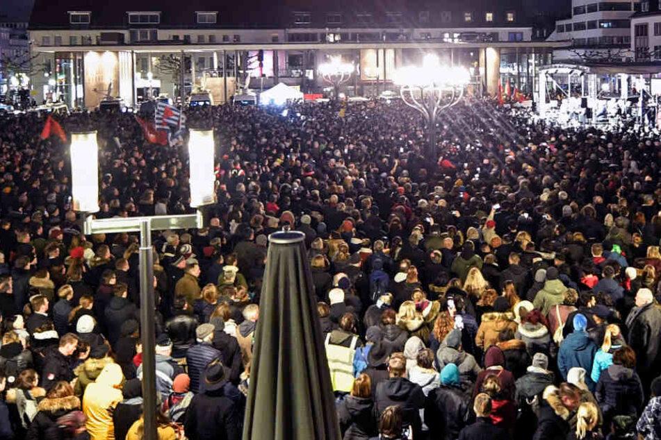 Nach Blutnacht: Tausende versammeln sich zu Mahnwache in Hanau