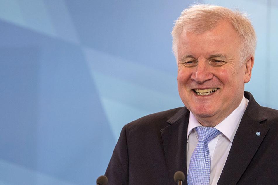 """Der neue Innenminister Horst Seehofer (68, CSU) bekommt Gegenwind von vielen Seiten für seine Aussage: """"Der Islam gehört nicht zu Deutschland"""""""
