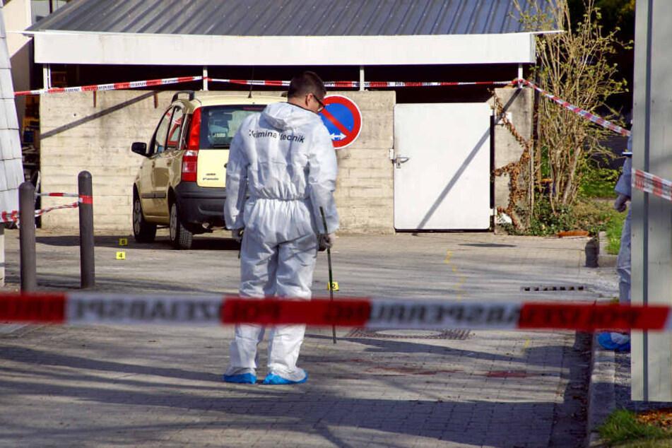 Die Spurensicherung suchte den Tatort ab. Nun wurde der Ehemann festgenommen.
