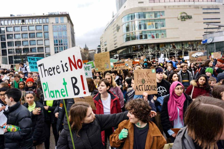 6000 Schüler und Studenten demonstrierten für den Klimaschutz.