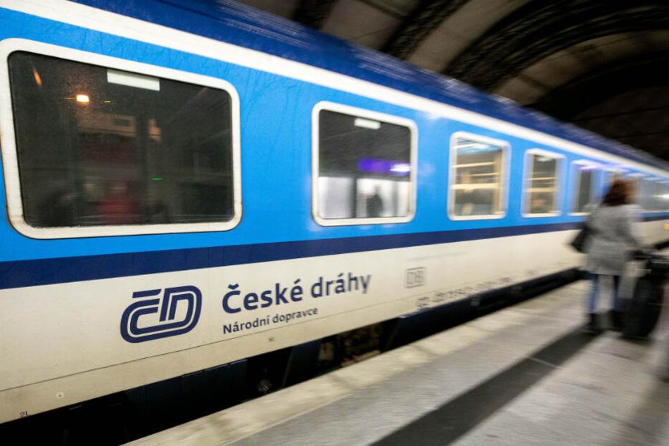 Der Mann saß im Eurocity von Prag nach Dresden (Symbolbild).