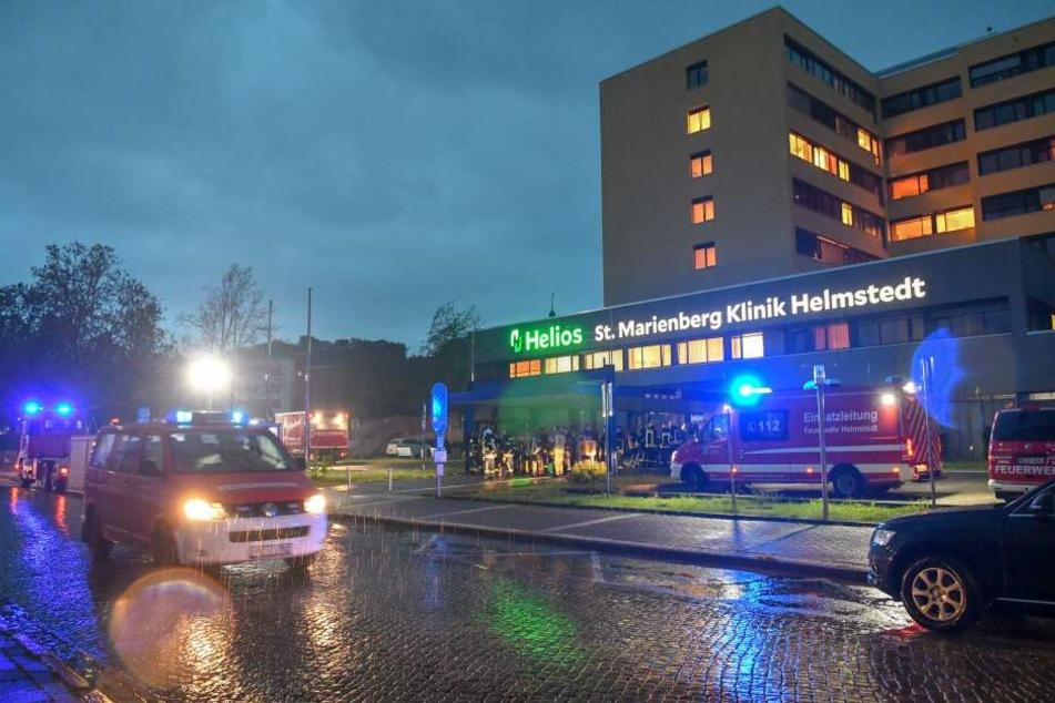 Feuerwehr-Großeinsatz in der Helios-Klinik in Helmstedt.