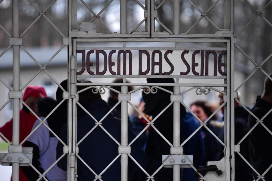 """Rechte schmuggeln sich in KZ Buchenwald unter Besucher: """"Mit Lagern hätten wir kein Ausländer-Problem!"""""""