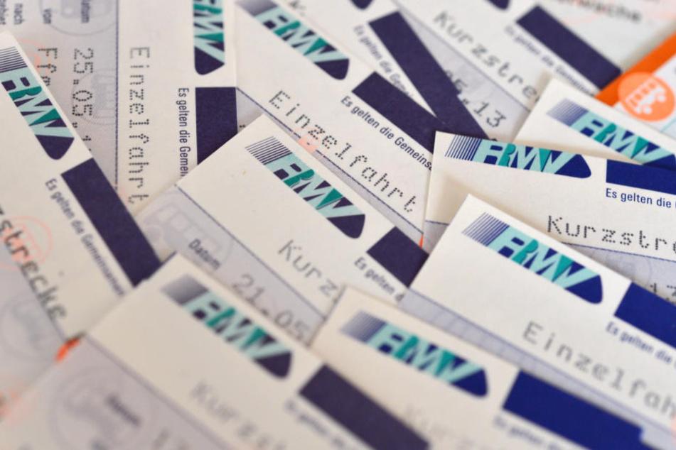 Über 100 e-Tickets des RMV sind gesperrt. (Symbolbild)