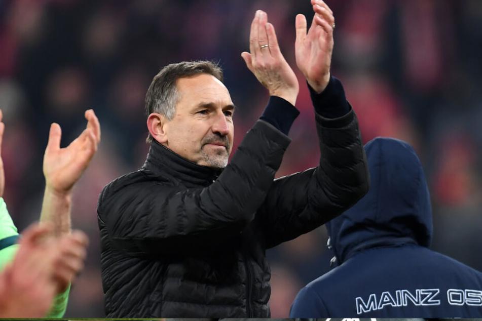 Bravo: Mainz-Trainer Achim Beierlorzer ein fairer Sportsmann.