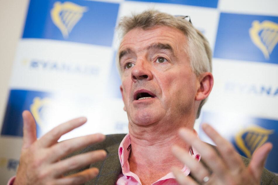 Laut Vorstandschef Michael O'Leary zwingen die gestiegenen Kerosinpreise Ryanair zum Sparen.