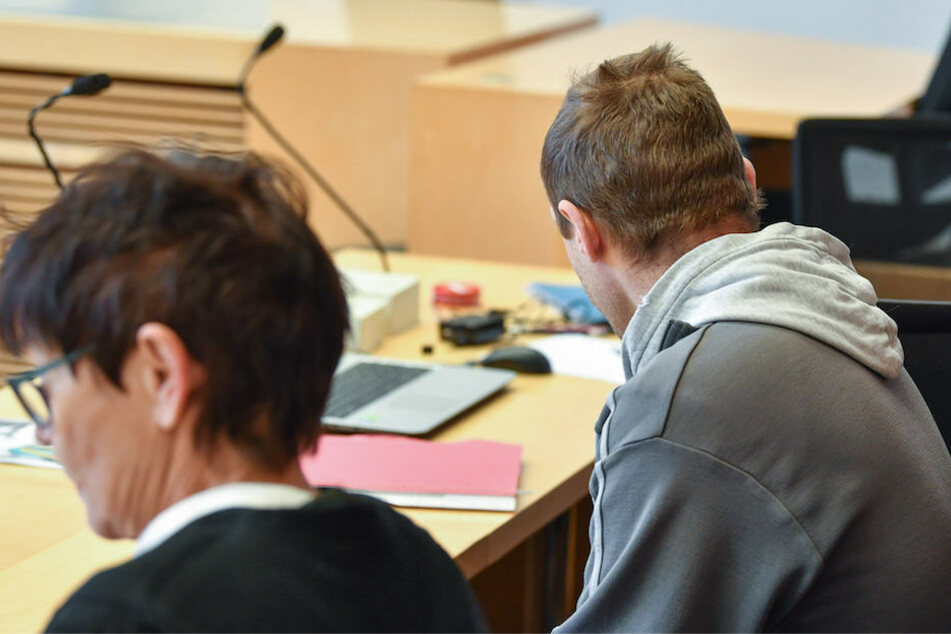 Der angeklagte Vater (37) im Berufungsprozess am Landgericht Frankfurt (Oder).