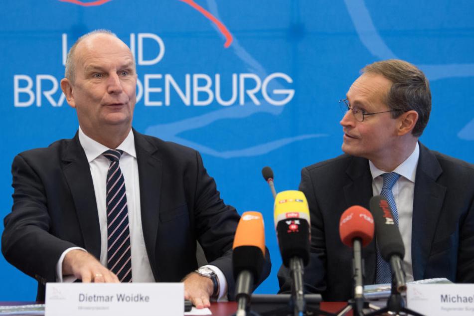 Die Regierungschefs von Berlin und Brandenburg, Michael Müller (SPD, re.) und Dietmar Woidke (SPD).