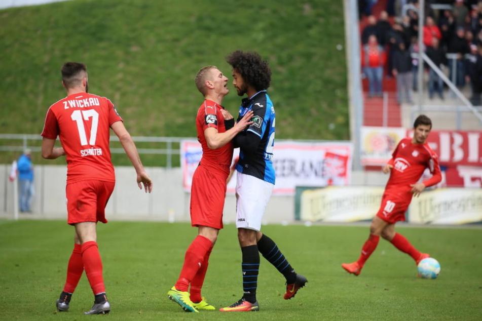 Im Spiel gegen den FSV Frankfurt holte sich Marc Philipp Zimmermann den roten Karton ab.