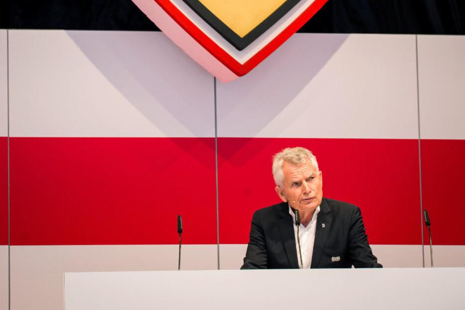 Da steht er noch auf dem Podium als Präsident des VfB Stuttgart: Wolfgang Dietrich.