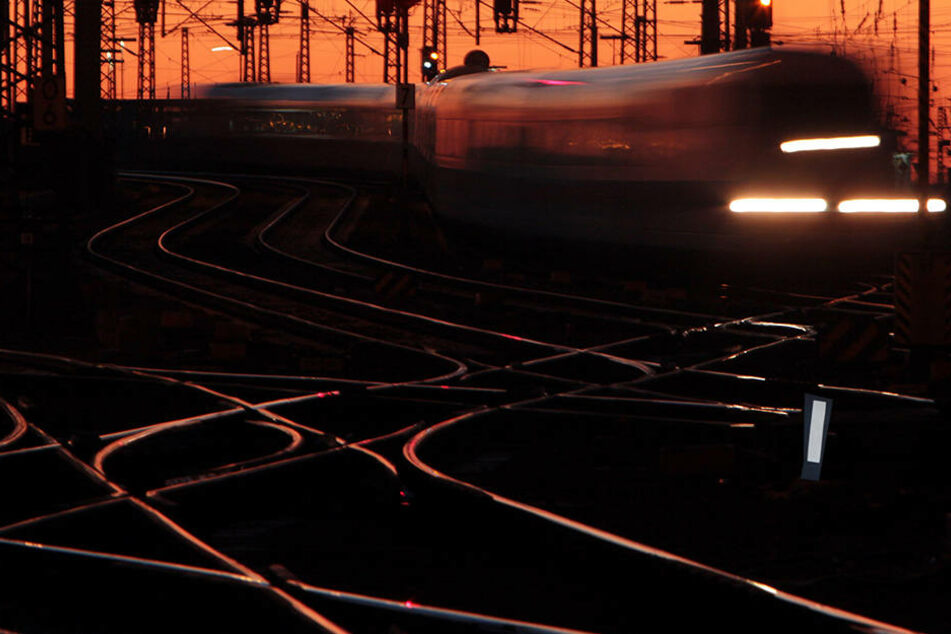 Die Bahn baut aus.