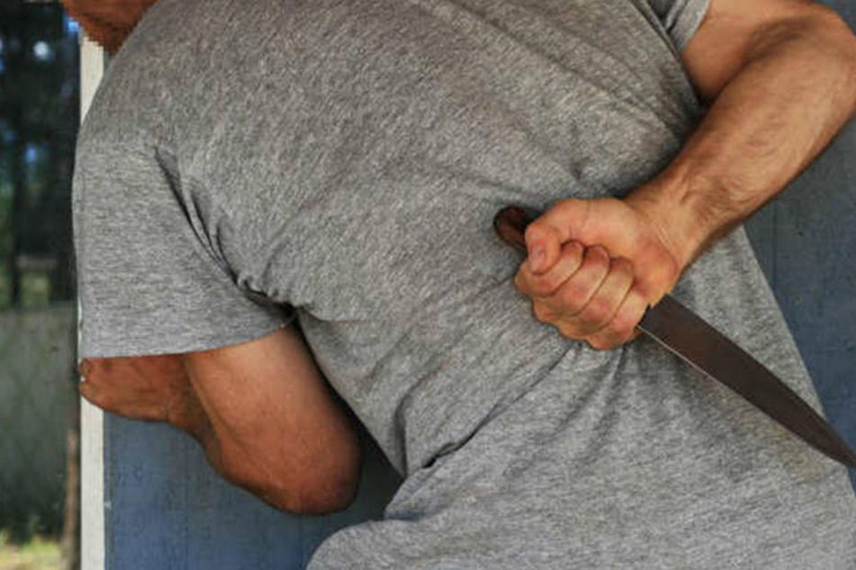 Ein 27-Jähriger ist wegen Mordes zu lebenslanger Haft verurteilt worden.