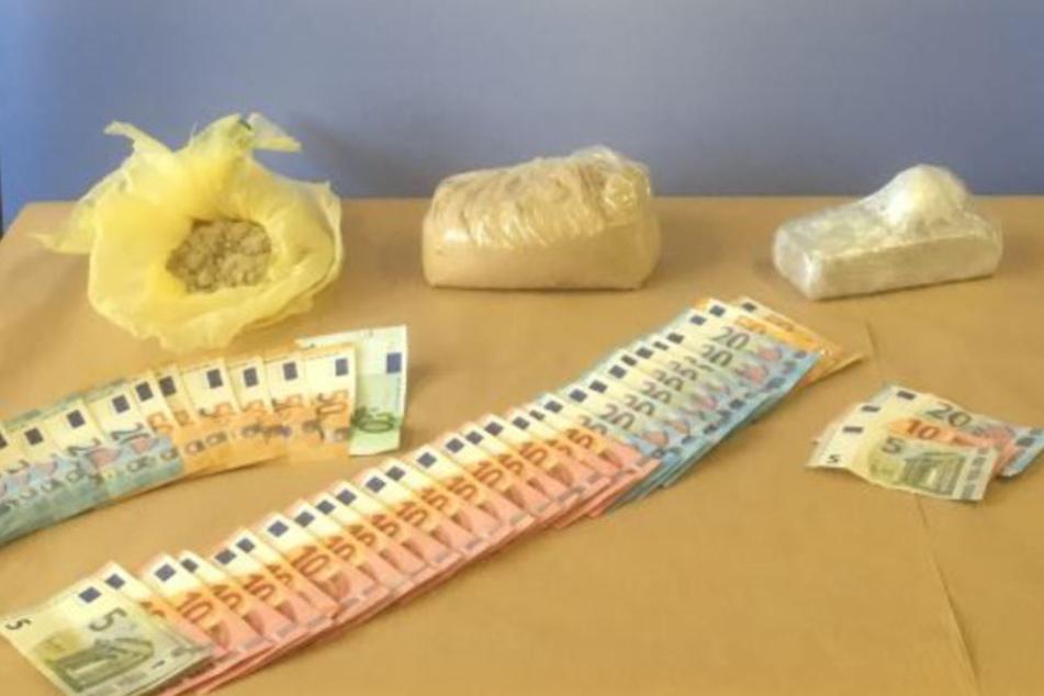Die Ermittler stellten 2,2 Kilogramm Heroin, Bargeld und Streckmittel sicher.