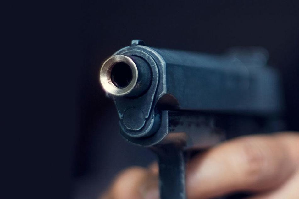 Als sein Onkel ihm die Waffe reichte, drückte der Sechsjährige ab.