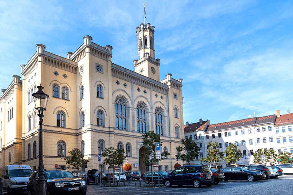 Rathaus von Zittau: Im Stadtrat tobt ein heftiger Streit über das Abstimmungsverhalten.