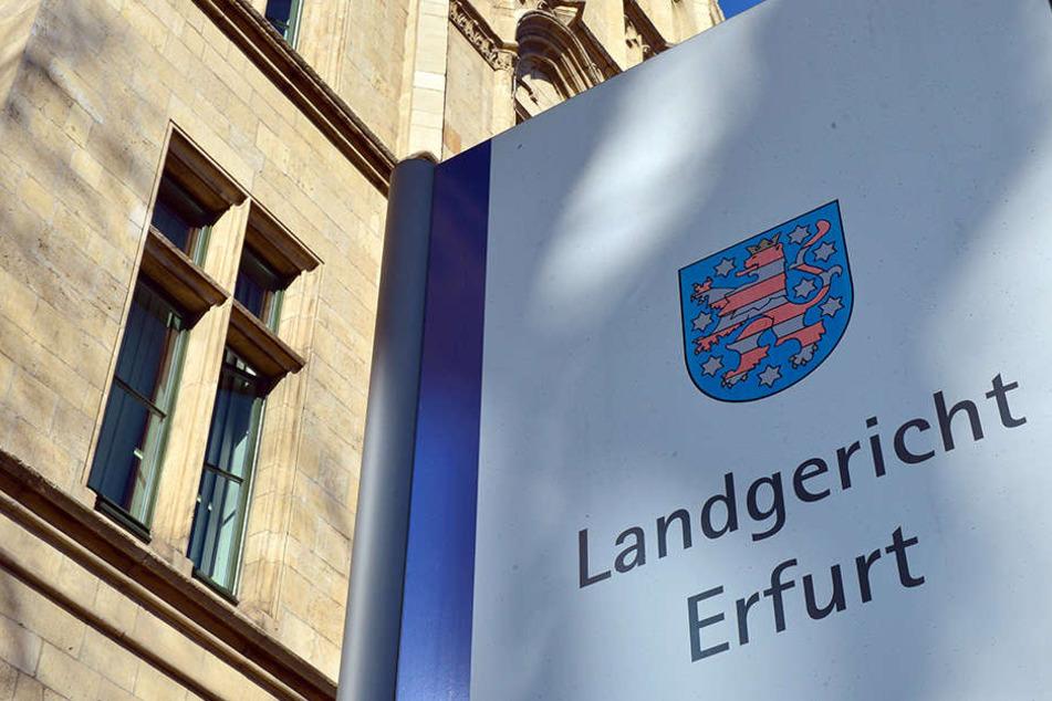 Am Landgericht Erfurt wird am Montagmittag das Urteil im Mordprozess erwartet.
