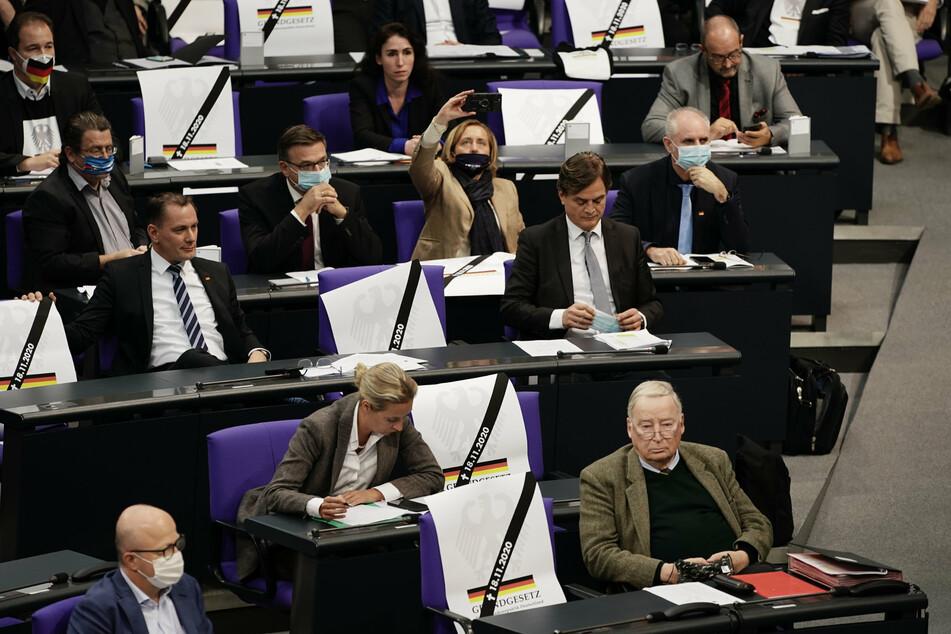 Nach Pöbel-Eklat im Bundestag: Abgeordnete müssen sich bei Hausordnung-Verstößen warm anziehen
