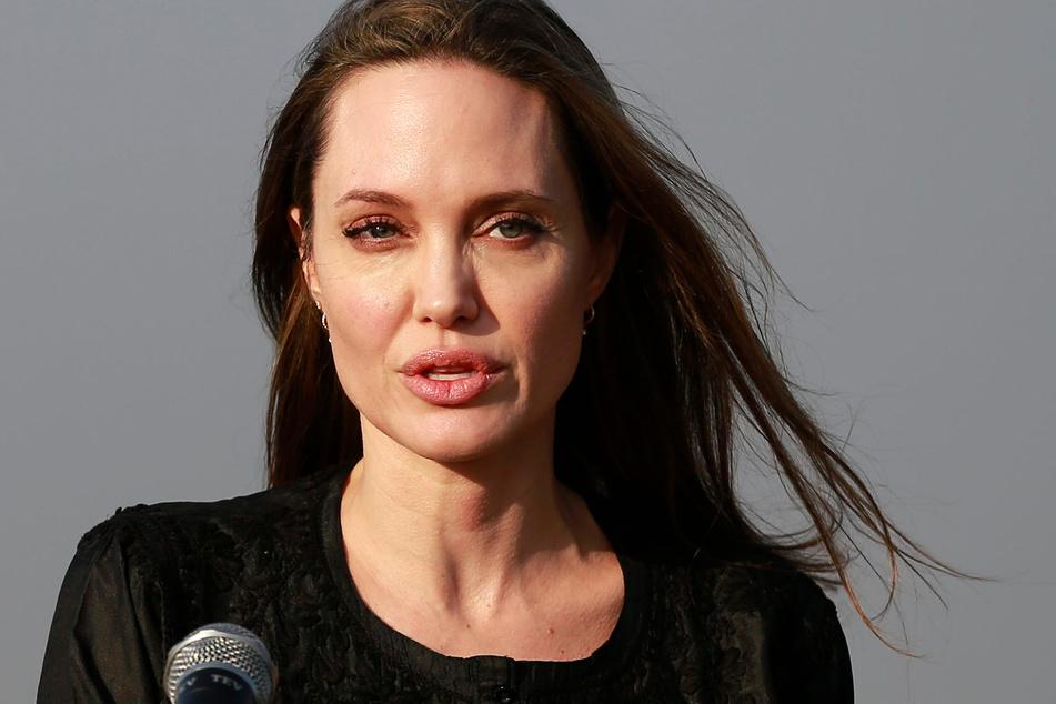 Zum ersten Mal sprach Angelina Jolie (45) öffentlich über ihre Scheidung.