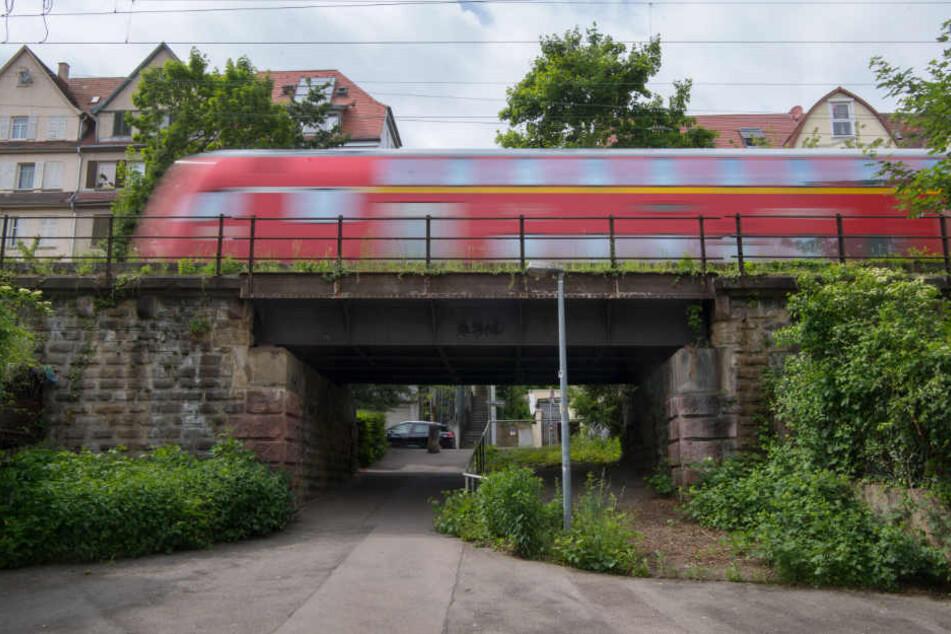 In einem Regionalzug kam es zu einer anderen Art von Nahverkehr. (Symbolbild)