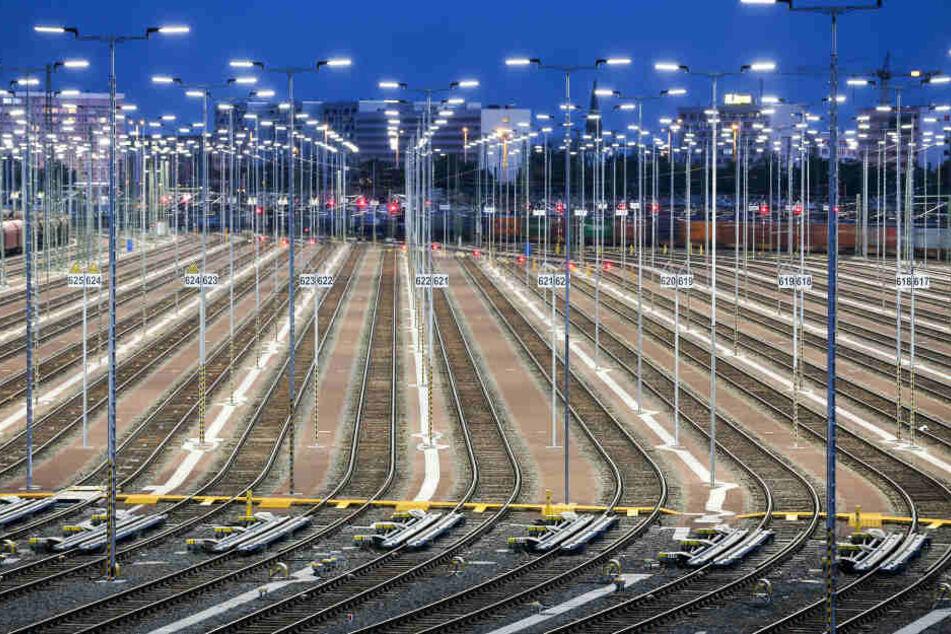 Am Freitag wird die neue Zugbildungsanlage in Halle (Saale) eingeweiht. Laut Unternehmensangaben hat das Projekt knapp 150 Millionen Euro gekostet.