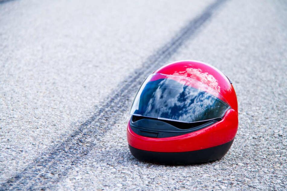 Ein Motorradfahrer ist bei einem Unfall in Berlin-Adlershof ums Leben gekommen (Symbolbild).