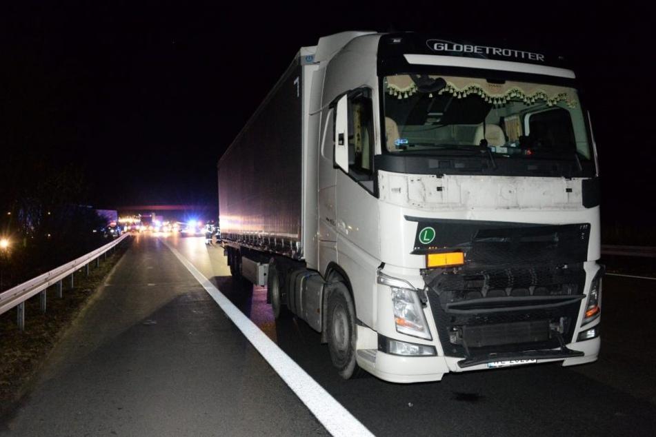 Die Autobahn musste infolge des Unfalls in Richtung Hannover komplett gesperrt werden.