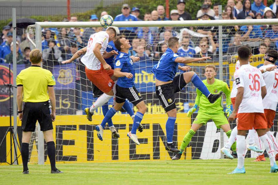 Der 1. FC Saarbrücken rang den SSV Jahn Regensburg nieder.