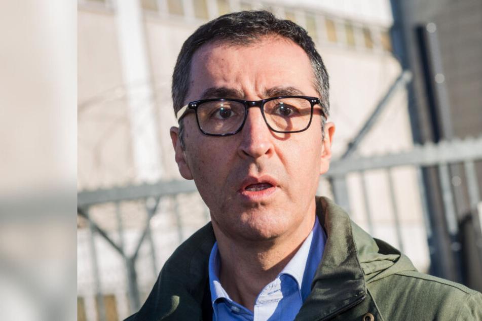 Nach Mord-Drohungen: Grünen-Politiker Özdemir wurde offenbar Opfer von Stein-Attacke