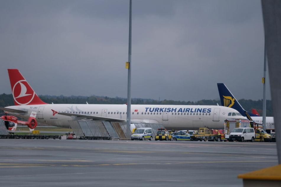 Turkish-Airlines-Flugzeug muss notlanden: Technischer Defekt?