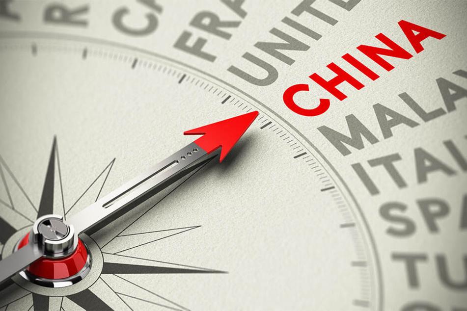 Ian und Linda Simpson müssten immer noch nach China reisen, um ihren Enkelsohn sehen zu können.