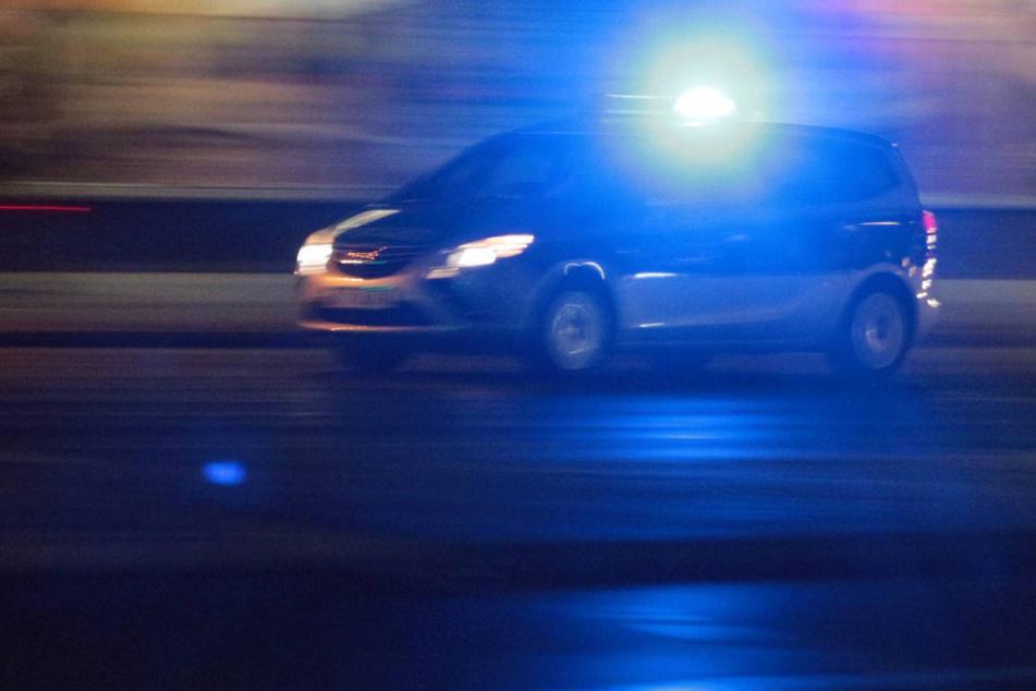 Da staunten die Beamten nicht schlecht: Ein 22-Jähriger wurde unter Drogen- und Alkoholeinfluss angehalten. Sein Wagen war nicht zugelassen (Symbolbild).