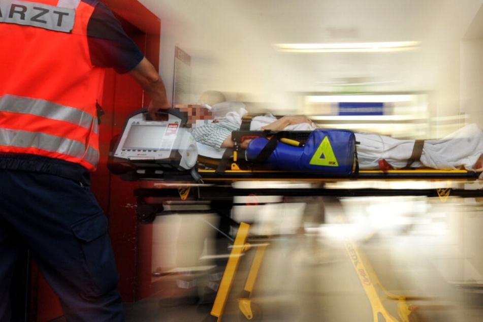 Der Rentner kam auf dem schnellsten Weg in ein Krankenhaus, doch sein Leben konnte nicht mehr gerettet werden (Symbolbild).