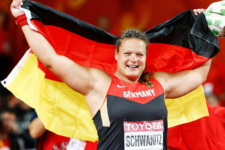 Die frisch gebackene Deutsche Meisterin im Kugelstoßen, Christina Schwanitz ist auf dem Weg zum ZDF verunglückt. (Archivbild)