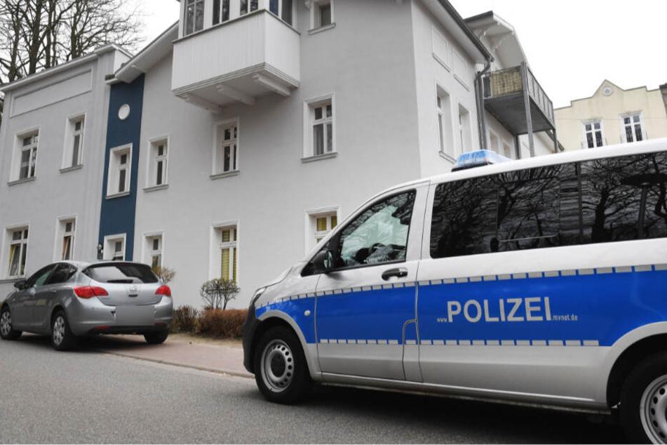 In einem Magdeburger Mehrfamilienhaus hat es nach einer Reizgas-Attacke am Montagabend fünf Verletzte gegeben. (Symbolbild)