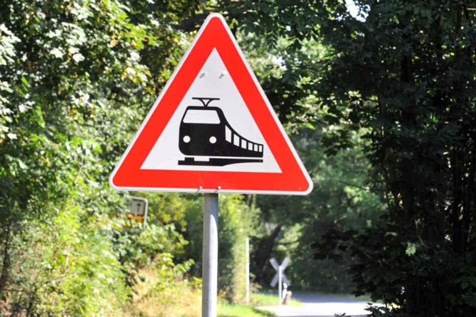 Zwei Jugendliche (18, 19) kamen bei einem Unfall in Thüringen ums Leben.