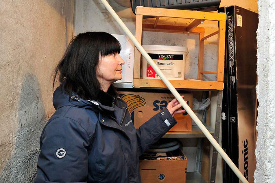 Auch der Keller von Carmen Meyer (53) war betroffen. Die Täter zerstörten viele  Türen.